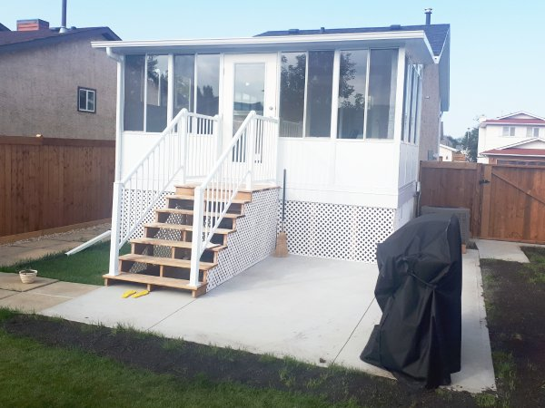 B Wise Contractors North Edmonton 3 Season Sunroom